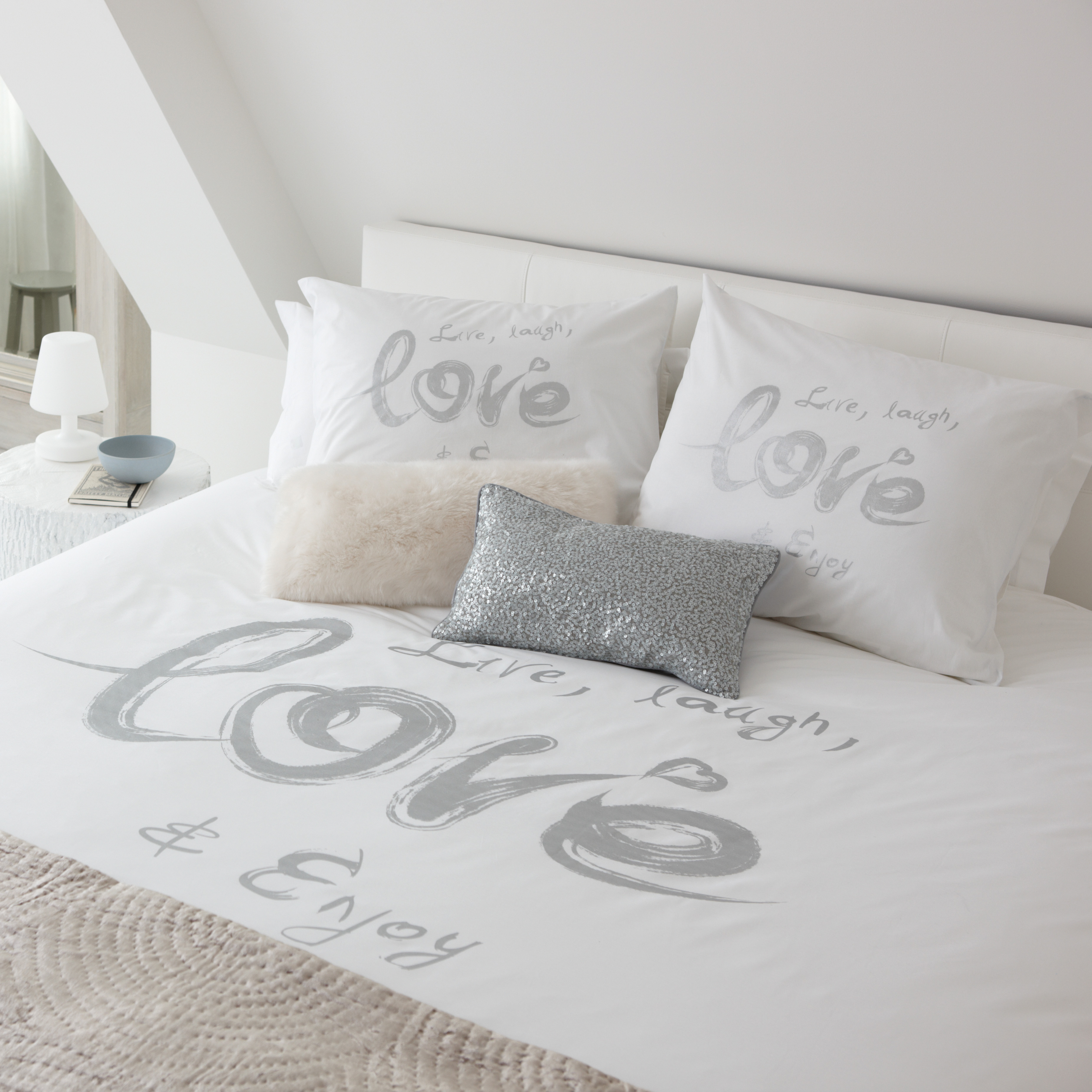 Love wit   Luxe dekbedovertrek van Walra