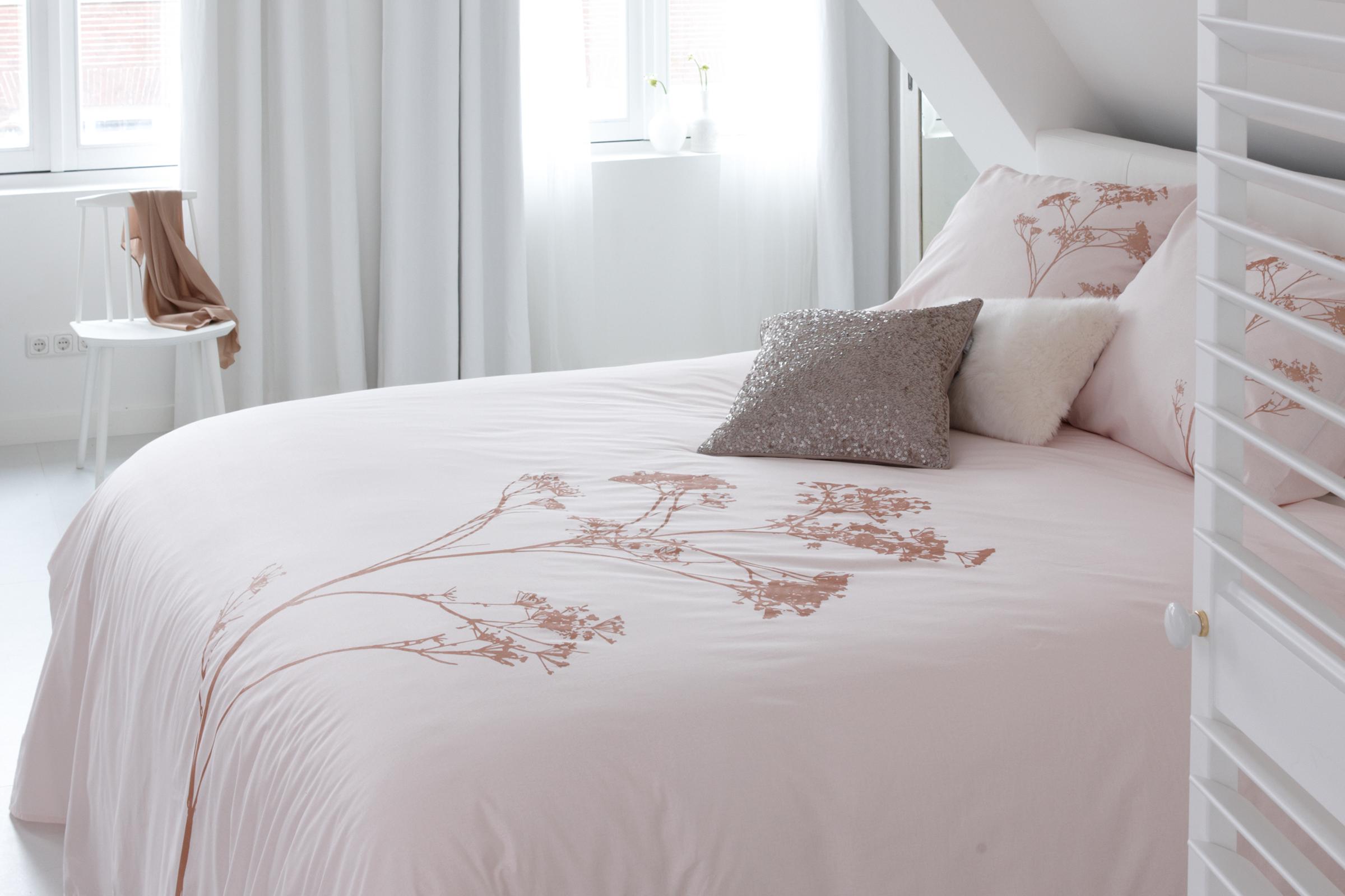Slaapkamer Lamp Roze : Inspiratie voor een echte meiden slaapkamer -