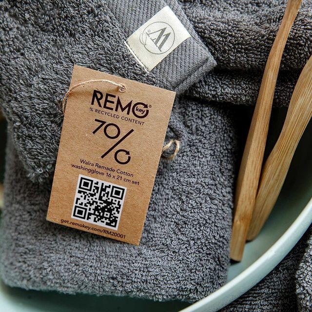 Wist je dat al ons Remade badgoed is voorzien van een Remo key label? Bij het scannen van deze QR code ontdek je alle besparingen van je product!🌱 • • #Walra #Walraofficial #Walrahome #remade #cotton #washandje #remokey #remokeystories #sundayinspo #selfcaresunday #badkamerinspiratie #badgoed #wellness #inspiratie