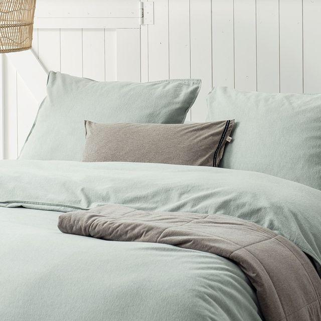 Onze dagen worden korter.. That means.. meer tijd om te slapen! Onze Flanellen dekbedovertrekken zijn super zacht waar je zo in kunt wegdromen. 💭 • • #walra #walraofficial #walrahome #flanel #autumnspring #najaarscollectie #dekbedovertrek #slaapkamer #bedroominspo #slaapkamerinspiratie #interiorinspo #bedsheets #duvetcover #duvetcovers